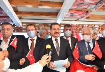 """rtak yayımlanan deklarasyonda, """"Türkiye'nin deniz yetki alanlarını kısıtlamaya, gemilerinin önünü kesmeye çalışmak, Türk Milletinin boğazından lokmasını almaya çalışmakla aynı şeydir. Bizim için 780 bin kilometrekare Anadolu toprağı neyse Mavi Vatan da odur. Asla vazgeçmeyiz. Bilinmelidir ki; Balıkesir'in evlatları olarak, deniz yetki alanlarımız olan Mavi Vatandaki hak ve çıkarlarımızı en iyi şekilde korumak ve gelecek nesillere taşımak boynumuzun borcudur"""" ifadeleri kullanıldı."""