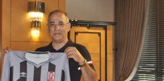 """Bak Holding Yönetim Kurulu Başkanı Veysel Bakgör; """"Balıkesirspor ile yaptığımız sponsorluk anlaşması ile hem Türk sporuna hem de Balıkesirspor'a destek olmak istedik. Sporun birleştirici gücüne inanıyoruz. Bu anlamda gerçekleştirdiğimiz anlaşmanın Balıkesir kentine ve Balıkesirspor'a hayırlı olmasını dileriz"""" dedi. Bakgör yaptığı açıklamada; """"1966 yılında kurulan Balıkesirpor, Balıkesir kenti için büyük anlamlar taşıyor. Sosyal ve toplumsal olarak birleştirici unsurları bir araya getiren en yaygın sporların başında şüphesiz futbol geliyor. Bizlerde bu noktada Bakyapı markamız ile her zaman sporu ve sporcuyu destekleyen bir kurum olduk. Umuyoruz ki yeni imzaladığımız bu anlaşma ile Balıkesirspor başarılarla dolu bir sezon geçirir ve tüm Balıkesir'i mutlu eder"""" dedi."""