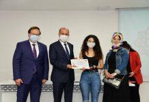 Karesi İlçe Milli Eğitim Müdürlüğü'ne bağlı okullarda okuyan ve Yüksek Öğretim Sınavı'nda (YKS) ilk 1000 arasında dereceye giren 14 öğrenci için Karesi Belediyesi'nde ödül töreni düzenlendi.